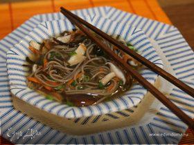 Гречневая лапша с грибами и морской капустой