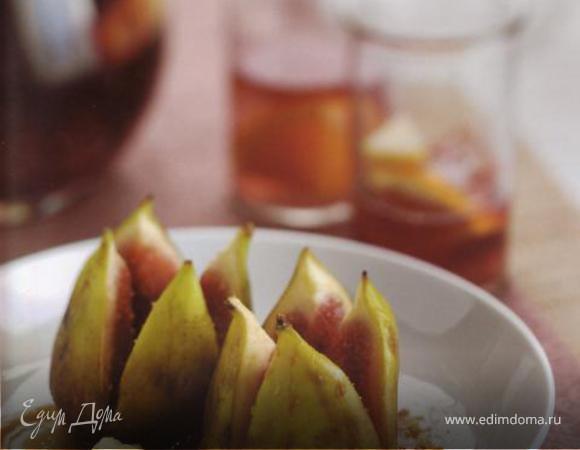 Инжир на гриле с рикоттой и медом