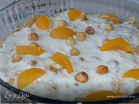 Хрустящая овсянка с йогуртом, персиками и абрикосами