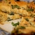 Фриттата с луком-пореем, сыром и травами