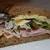 Сэндвич с ветчиной, соленьями и сыром