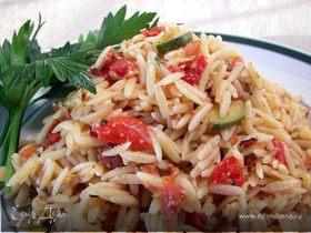 Салат из орзо с арбузом и козьим сыром