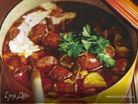 Испанский густой суп с колбасками