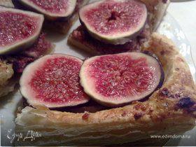 Пирог с инжиром и орехами