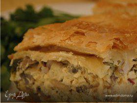 Пирог по-деревенски с грибами, сыром и копченой грудинкой