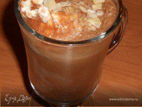 Холодный кофе с шоколадом и мороженым