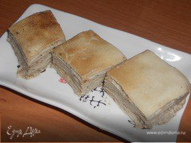 Блинный пирог с муссом из печени трески