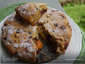 Пирог с нектаринами и клюквой
