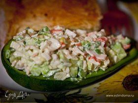 Салатик в лодочке из авокадо