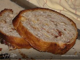 Сдобный хлеб с фундуком