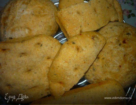 Лепешки с кукурузной мукой, сыром и пряностями.