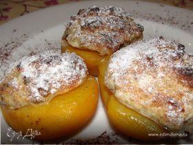Персики с шапочками