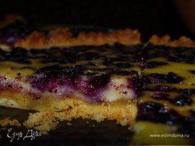 Пирог с черникой и сметанной заливкой