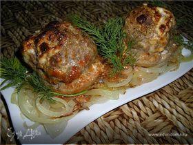 Шампиньоны, фаршированные мясом и яйцами
