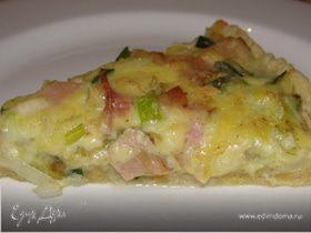 Пирог с зелёным луком и ветчиной