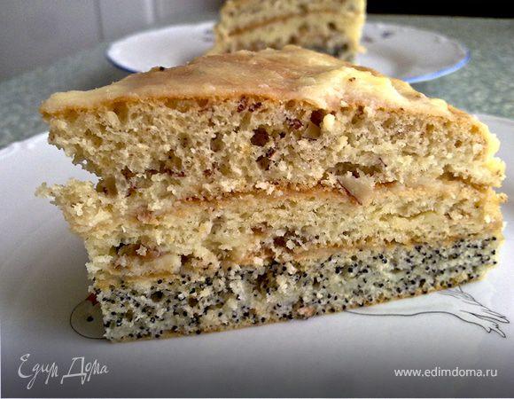 Торт с орехами, изюмом и маком.