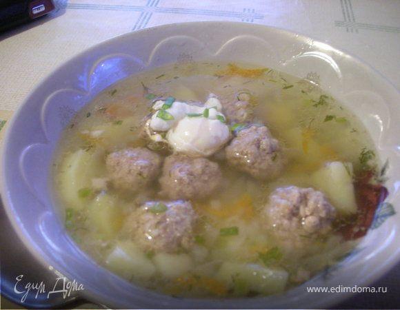 Суп с фрикадельками и яйцами-пашот