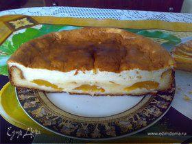 Творожной пирог с консервированными персиками