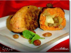 Морковные котлеты с яблоками, курагой и изюмом