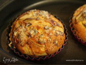 Тарталетки из слоеного теста с грушей и голубым сыром