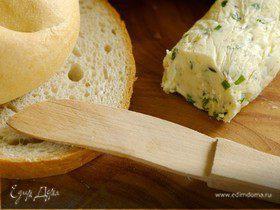 Сырное масло с базиликом