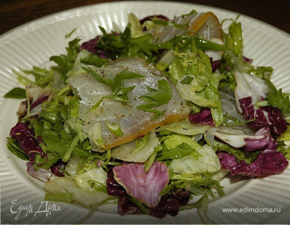 Салат с балыком и руколой