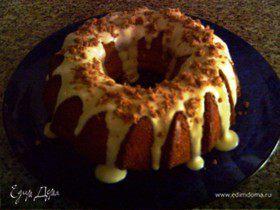 Творожно-сметанный кекс в шоколадно-миндальной глазури