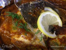 Филе лосося в красном соусе