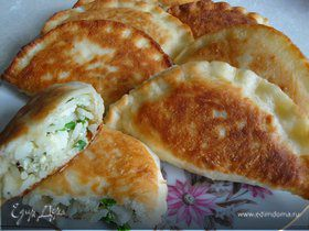 Воскресные пирожки с луком, яйцом и рисом