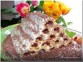 Медовые пирожные с вишнями