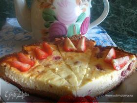 Очень творожный пирог с клубникой