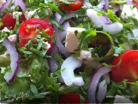 Салат с баклажанами и сыром фета