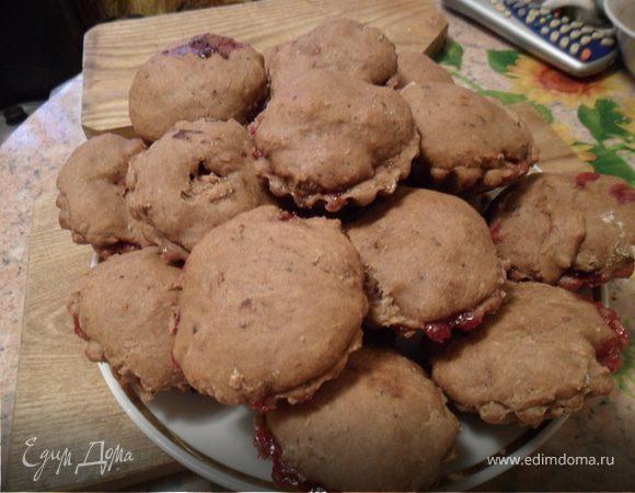 Мини-пироги с красной смородиной