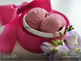 Мороженое из малины,ежевики и сыра Филадельфия