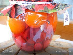 Ассорти из помидоров и кизила