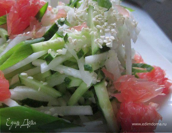 Салат с дайконом и огурцом