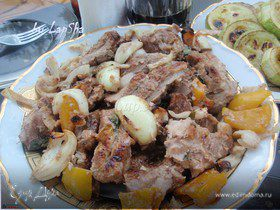 Свиной шашлык в сметанном маринаде