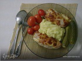 Куриные рулетики с колбасой и сыром