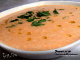 Чечевичный суп-пюре с томатами и сельдереем