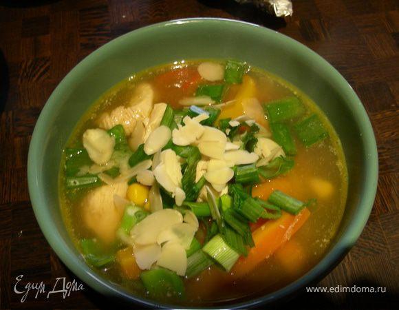 Куриный суп с перцем и миндалём