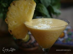 Сок из папайи, яблока и ананаса