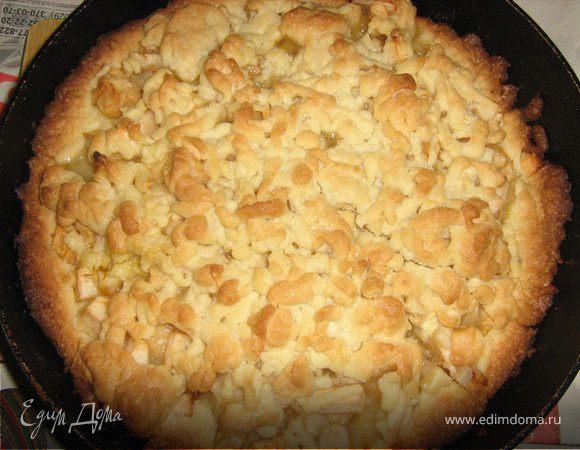 Тертый яблочный пирог.