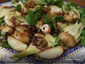 Салат с фенхелем, картофелем и кальмарами