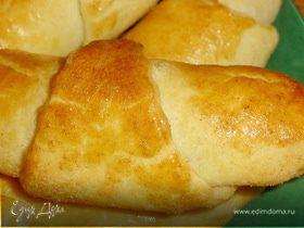 Рогалики с абрикосовым вареньем и грецкими орехами
