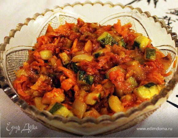 Жареные овощи в томатной пасте