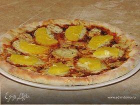 Пицца с салями и апельсином