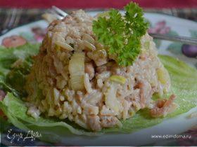 Салат из риса с креветками и сельдереем