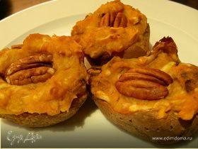 Сладкий картофель (батат), фаршированный яблоками и орехами пекан