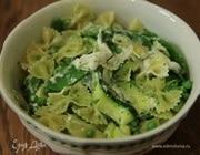 Паста с зелеными овощами и сыром буррата