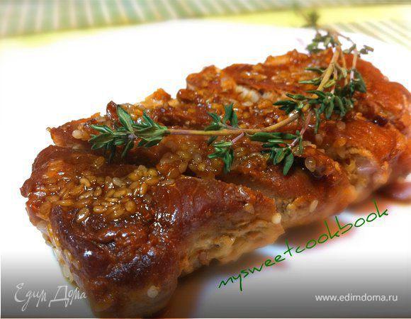 Нежное мясо в кунжуте с медовым соусом терияки